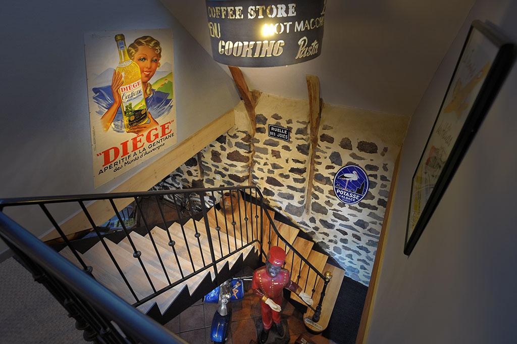 La Voie Romaine - Montée escalier